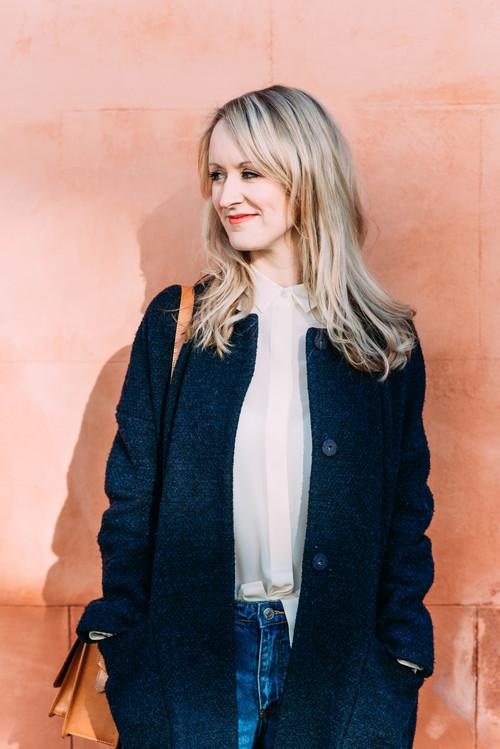 Rosie+Walsh,+author,+in+Bristol.jpg